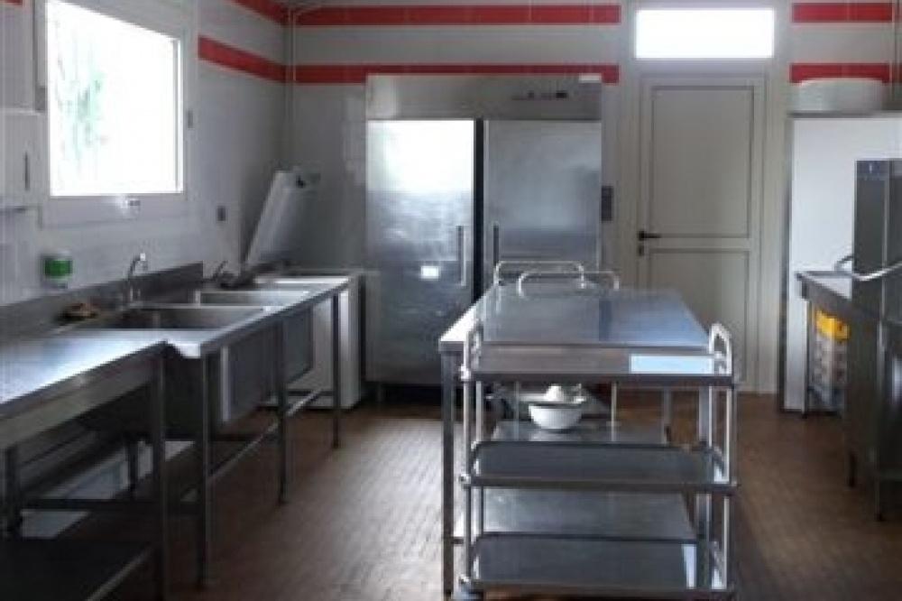 salle des f tes de solesmes 72300 d partement 72 salle id ale pour les mariages. Black Bedroom Furniture Sets. Home Design Ideas